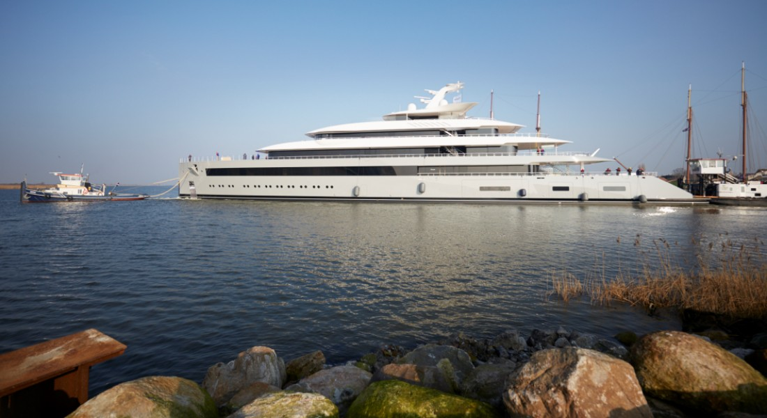 the Feadship Moonrise measures 99.95 meters; she's among space-themed superyachts