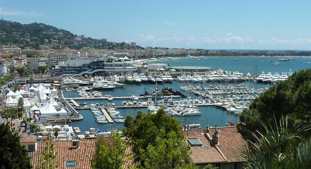 The elimination of the French flat-rate VAT reduction, set to be effective on April 1 on superyachts, is suspended