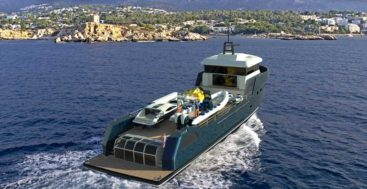 the Lynx XYT 34 Plus caters to megayacht owners wanting a matching support boat