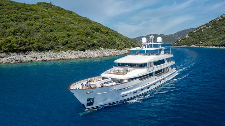 the superyacht Sunrise saw delivery from Yildiz Shipyard in late 2019