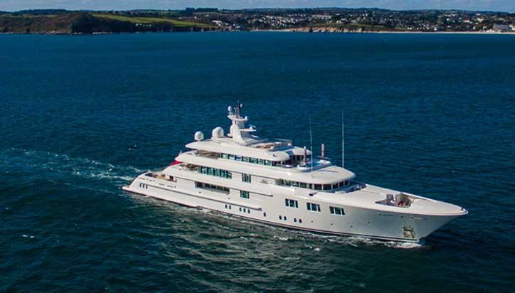 the superyacht Lady E