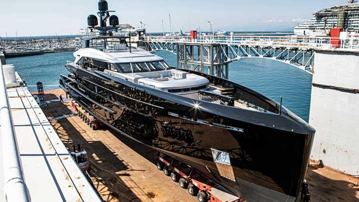 the superyacht Olukun splashed at Tankoa Yachts in September 2020