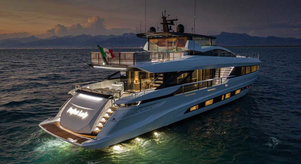 Mangusta GranSport 33 is among superyachts to see at FLIBS 2020
