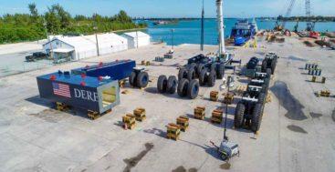 the mammoth megayacht Derecktor Ft. Pierce mobile boat hoist arrives