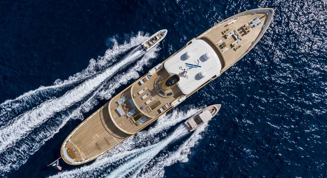 Blue II and Her Retro Appeal: Photo Gallery