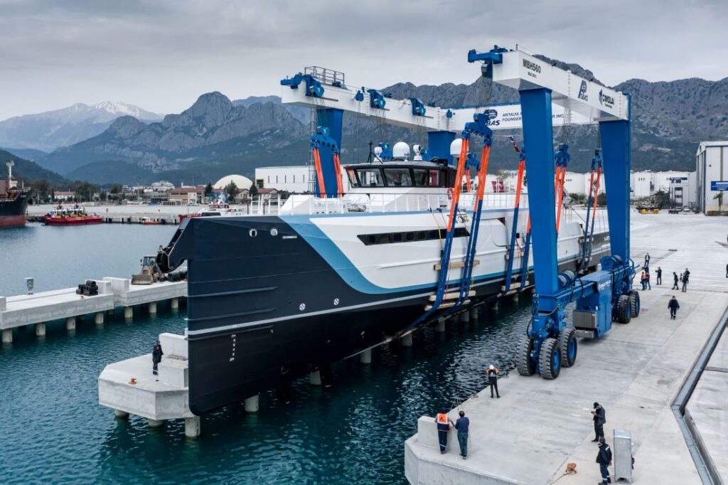 Time Off is a Yacht Support superyacht/shadow vessel from Damen Yachting