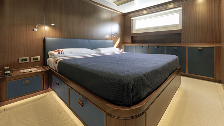 blues, reds, and whites characterize the superyacht Crowbridge