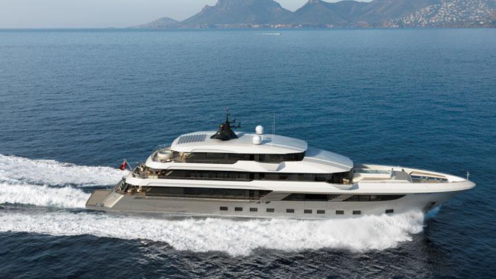 the Majesty 175 megayacht can hit 17 knots
