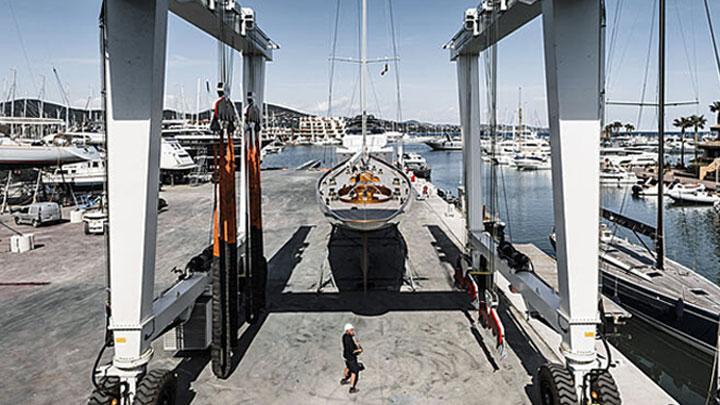 Monaco Marine Golfe de St. Tropez is a megayacht service yard