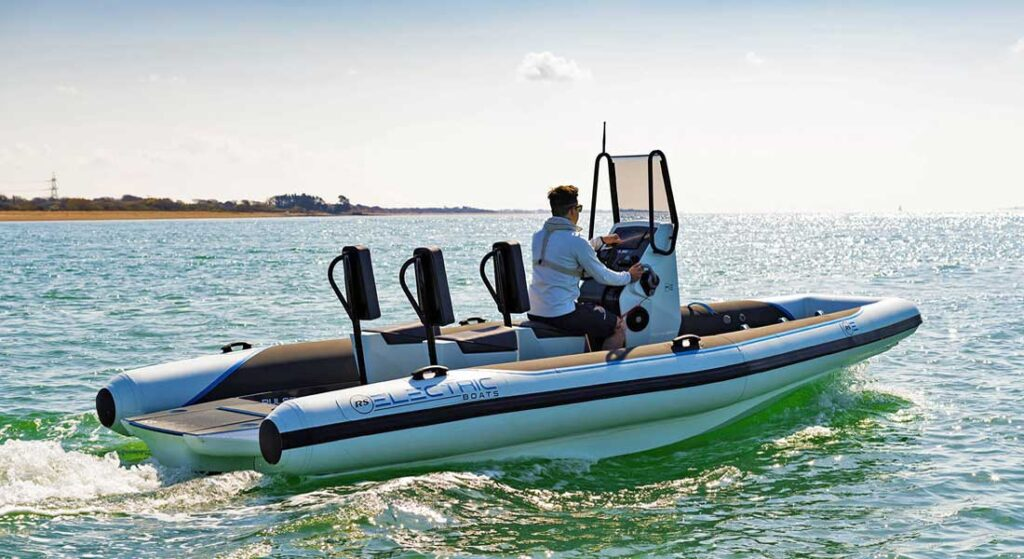 the superyacht design studio Design Unlimited contributed to the Pulse 63 electric RIB