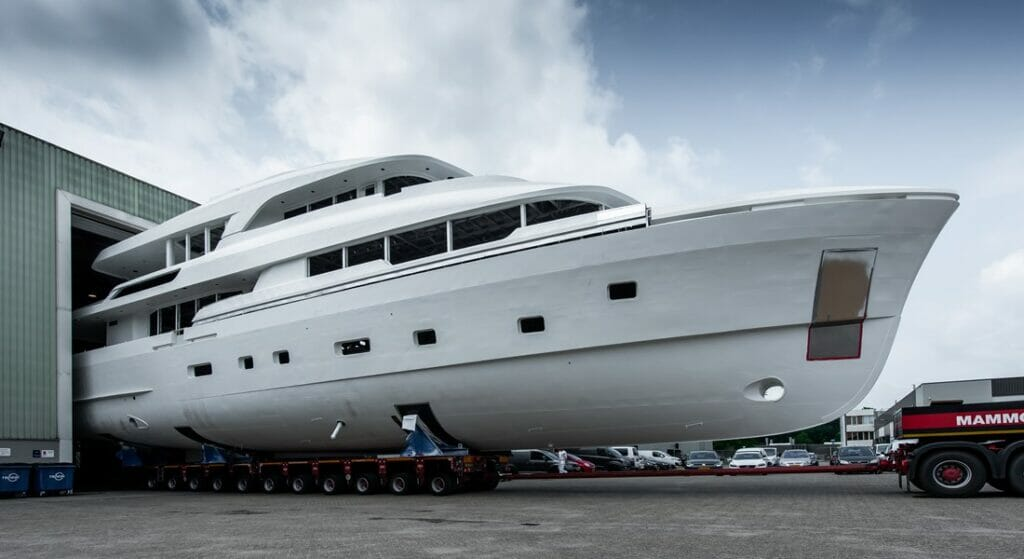 Moonen YN201 is a 119-foot megayacht